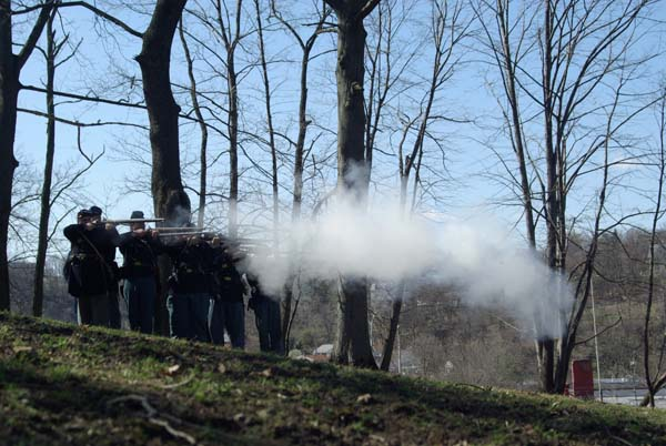 Reenactors-Shooting-west-lawn-civil-war-living-history